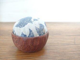 【送料無料】花梨の針台*ピンクッション*木製*手彫りの画像