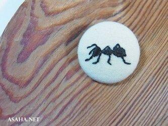 蟻の刺繍ブローチ B:左向きの画像