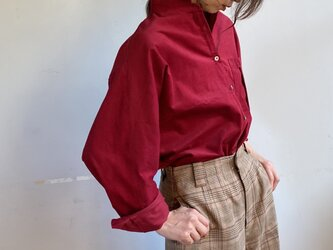 秋色レッドコーデュロイ ゆったりドルマンシャツの画像