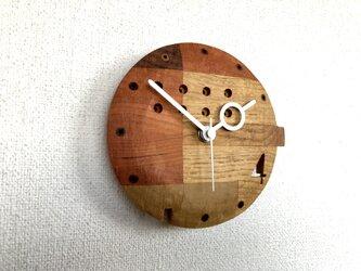 4の時計の画像
