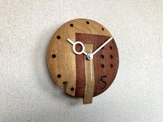 5の時計の画像