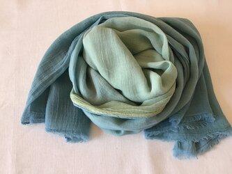 草木染め コットンショール コブナグサ+藍の画像