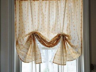 ダブルガーゼのプチローズ♪リボンアップカーテン 横102cm×縦111cmの画像
