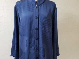 着物リメイク ロングシャツの画像