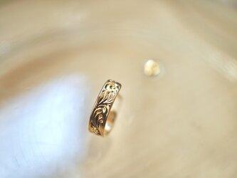 手彫り 唐草模様のピアス (片方) / K18 Yellow goldの画像