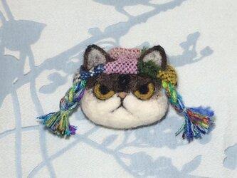 ブローチ  チャペ※三つ編み帽子の画像