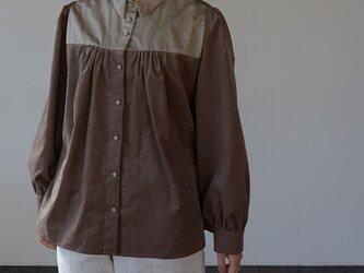 peasant shirts[マイクロコーデュロイ×コットンワッシャー][brown]の画像