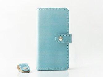 【新作】アイスランドブルーの iPhoneケース (手帳タイプ) イタリアンレザーマイネの画像