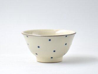 青い水玉のお茶碗 大  (沖縄のやちむん)の画像