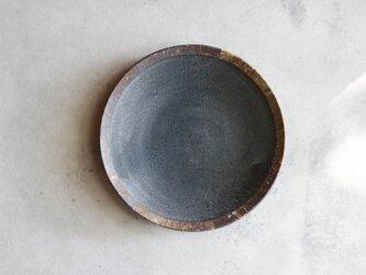 伊豆土リムの八寸皿(黒釉)の画像