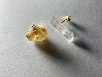 シトリンと水晶のピアス サージカルステンレスの画像