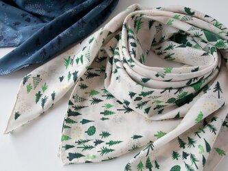 スカーフ ・ おもいでの森/クリームの画像