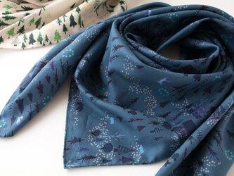 スカーフ ・ おもいでの森/インディゴブルーの画像
