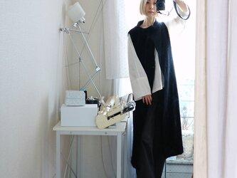 10/31まで特別価格◆即納◆Rigil[リギル] シルクモール・ノースリーブコート / ブラックの画像