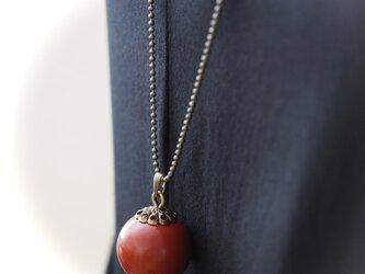 漆玉ネックレス 赤と金古美の画像