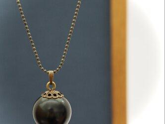 漆玉ネックレス 黒と金古美の画像