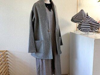 変わり衿のアウトポケット付きコート ショート丈 Lサイズの画像