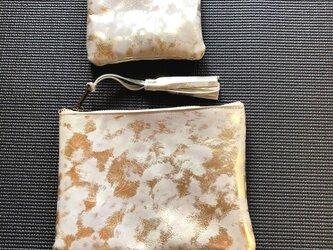 キラキラヒョウ柄風の山羊革のポーチセットの画像
