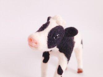 羊毛フェルト 牛さんのフィギュアの画像
