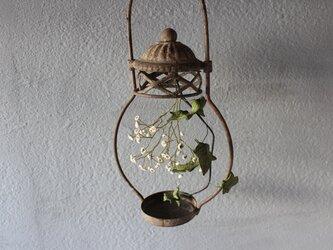 【鹿革の花かざり】燭台のカスミソウの画像