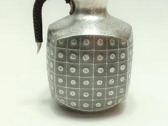 純銀/酒器 四角徳利 方角丸紋の画像