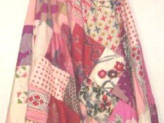 Sold OUt着物リメイク♪可愛色銘仙色々パッチワークスカート♪♪ハンドメイド・スイングスカ~トの画像