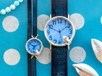 池をのぞくカエル腕時計LとSSパステルブルーの画像