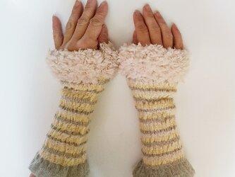手織り フィットするカシミヤ  ハンドウォーマー*ファー付 F25 若草の画像