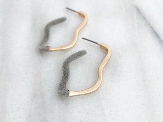 Flocking finishwave hoop pierces/noholeの画像