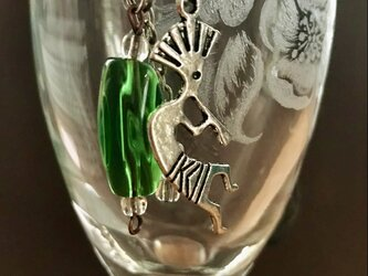 アンティークガラスビーズとココペリのネックレスの画像