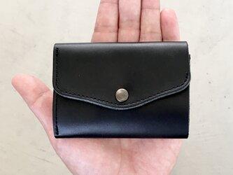 栃木レザー ヌメ革の三つ折コンパクト財布 選べる無料or有料刻印【ブラック】の画像