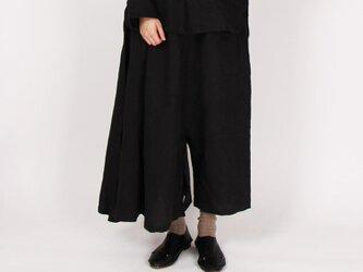 9番手平織りリネンスカートパンツ(ブラック)の画像