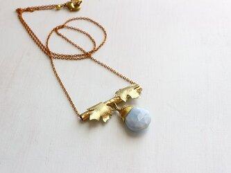 大粒*ブルーオパール*葡萄の葉*真鍮ペンダント*真鍮ネックレス*no.482の画像