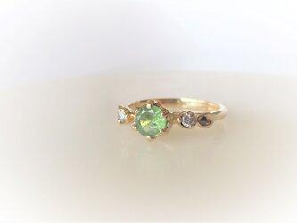 デマントイドガーネットとダイヤとリーフの指輪(K14)の画像