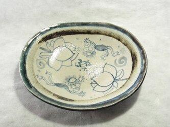 絵付け楕円皿の画像
