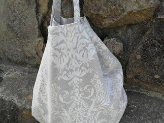 日本国内から発送☆ フレンチモロッコ  ホワイトダマスク柄 底ギャザー トートバッグの画像
