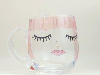 ガラスマグカップ オレンジヘアーの女の子の画像