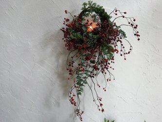 野バラの実のキャンドルリースの画像