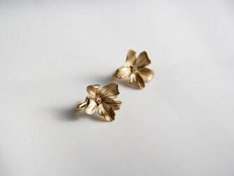 Floral Stud [TWO] - Metallic Finishの画像