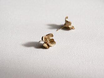 Floral Stud [ONE] - Metallic Finishの画像