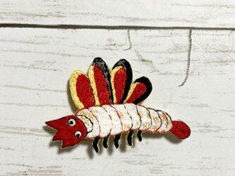 手刺繍ブローチ*元行「針聞書」の肺虫の画像