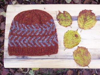 アイスランドスタイルの編み込み帽子 / Brown×Grey(ブラウン×グレイ)の画像
