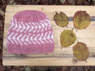 アイスランドスタイルの編み込み帽子 / Pink×White(ピンク×ホワイト)の画像