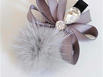¶ new antique fur ¶ ライトグレーミンク&ファンシーストーン付リボンヘアクリップの画像