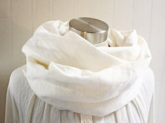 秋冬 あったか起毛リネンのスヌード オフホワイトの画像