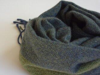 手織りカシミアマフラー・・抹茶のワンストライプの画像