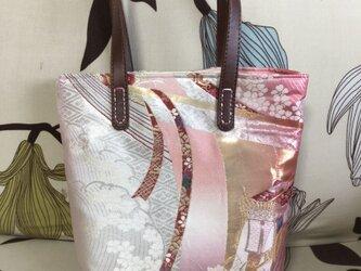 アンズルーム★ハンドメイド★ちょっと豪華な小さめ トートバッグ★ハンドバッグ★着物 帯リメイク★ピンク 花柄★B5サイズの画像