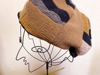 ニットのボーダー風ベレー帽の画像