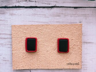【送料無料】レクタングル赤×黒 ピアス /イヤリングの画像