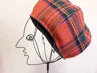 チェックとデニムのリバーシブルのベレー帽の画像